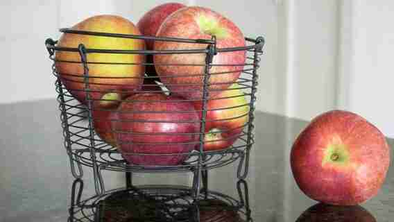 Can You Keep Apples On The Counter